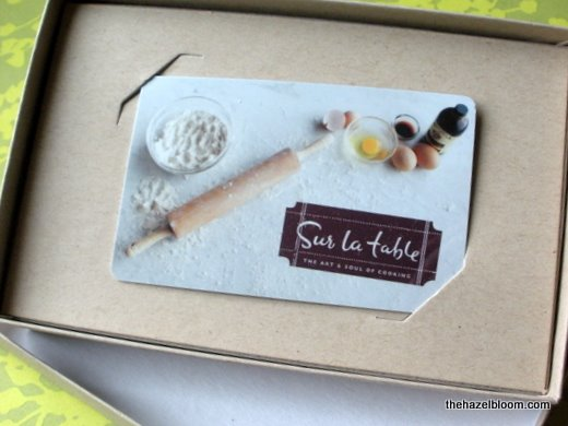 Sur la table gift card
